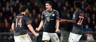 Lewandowski, con un doblete, fue fundamental en la victoria del Bayern ante el PSV. Foto: Twitter.