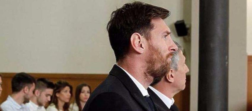 Lionel Messi y su padre durante el juicio | Foto: Youtube
