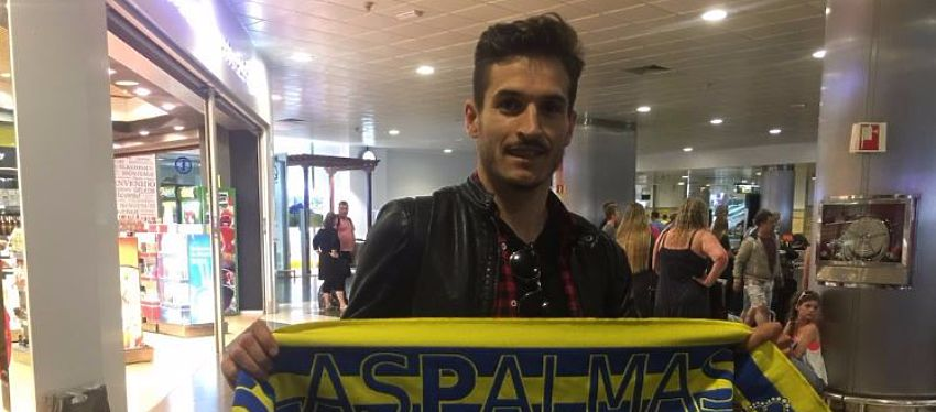 Hélder Lopes a la llegada al aeropuerto | Foto: @UDLP_oficial
