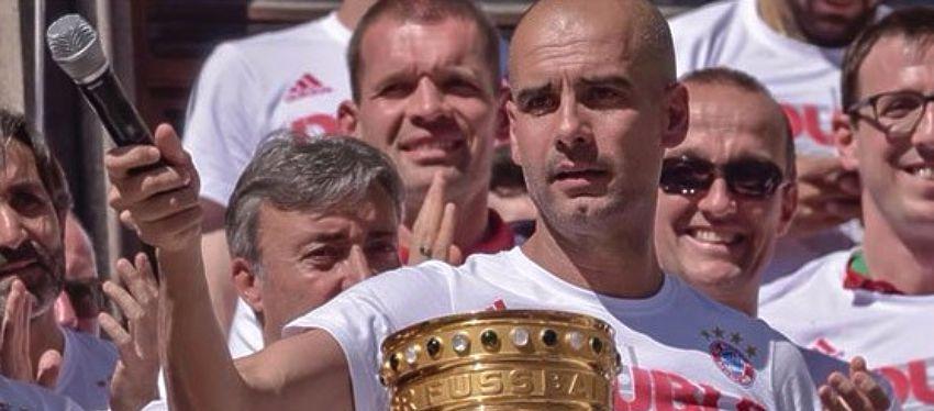 Guardiola vivió una despedida atípica en la celebración del doblete del Bayern de Múnich. Foto: Twitter.