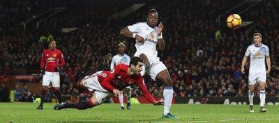Mkhitaryan cerro el año con uno de los goles de su carrera. Foto: Ian Hodgson.
