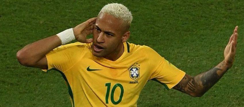 Neymar, en un partido con Brasil. Foto: @marcafutbolint.
