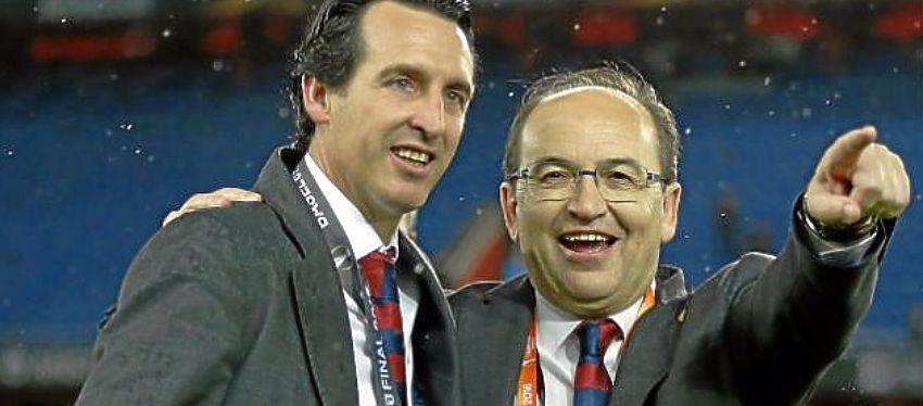 Unai Emery y José Castro celebran el triunfo en la Europa League: Fuente: Estadio Deportivo.