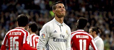 Cristiano se lamenta de una ocasión fallada ante el Athletic. Foto: Twitter.