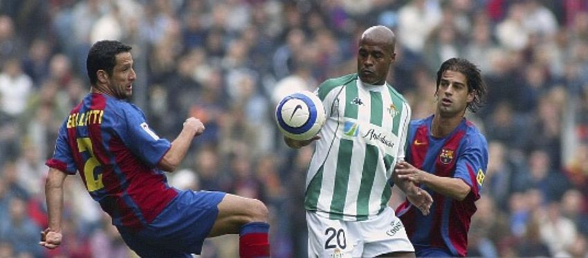 Barça-Betis, en la temporada 2004-05. Foto: Getty Images.