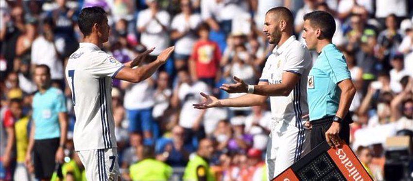 Benzema, que debutó está temporada frente a Osasuna, sustituye a Cristiano. Foto: Twitter.