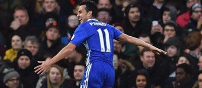 Pedro firmó una brillante actuación para mantener líder al Chelsea. Foto: Sport.
