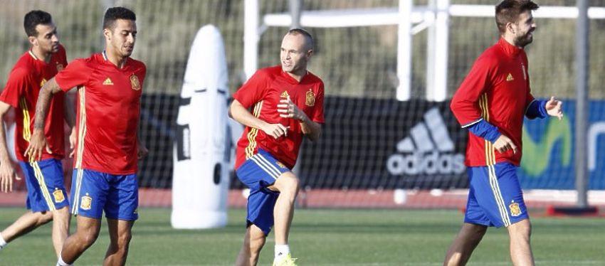 España ya comenzó hoy a preparar el partido del próximo 6 de octubre ante Italia. Foto: Carmelo Rubio.
