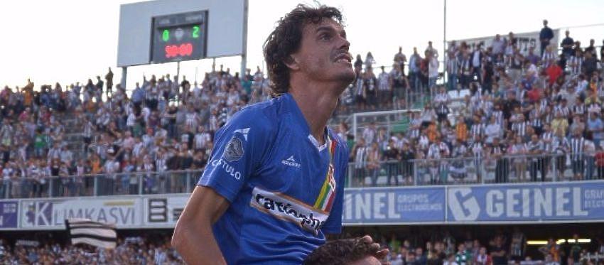 Francisco Pérez celebra un gol con el Linares Deportivo. Foto: Ángel Mendoza.