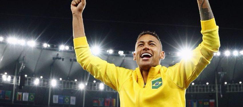 Neymar celebra el oro olímpico. Foto: FIFA.