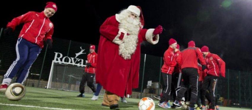 El Santa Claus FC, el equipo más navideño del mundo del fútbol. Foto: Twitter.