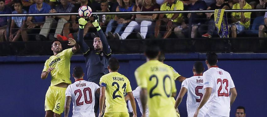 Jugada del partido | Foto: @SevillaFC