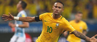 Neymar, a la altura de Pelé, Ronaldo y Romário