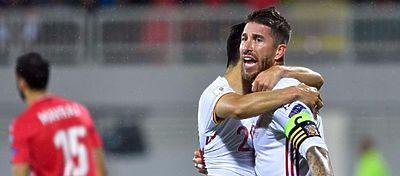 Ramos celebra uno de los goles de España ante Albania. Foto: Twitter.