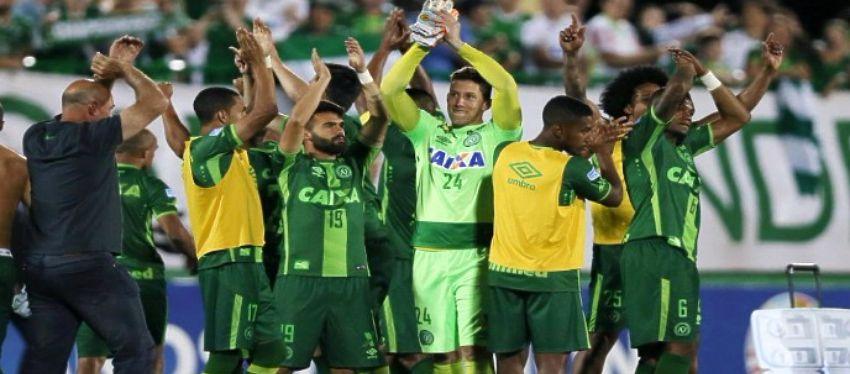 A golpe de ilusión, el Chapecoense se había situado en la élite del fútbol brasileño. Foto: Twitter.