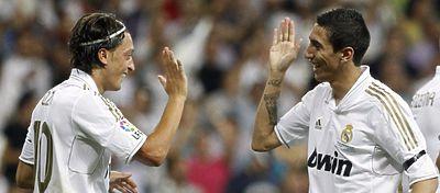 Özil y Di María estarían encantados de volver a compartir vestuario en el Madrid. Foto: Twitter.