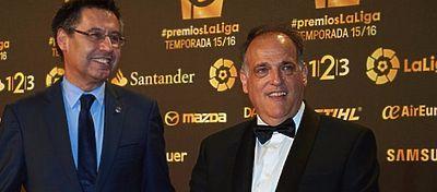 Javier Tebas, junto a Josep Maria Bartomeu en la Gala de LaLiga. Foto: @elchiringuitotv.