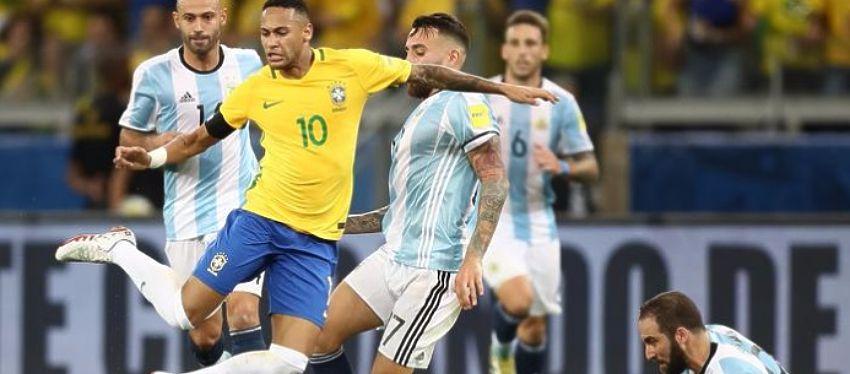 Neymar fue todo un dolor de cabeza para la defensa argentina. Foto: Getty Images.
