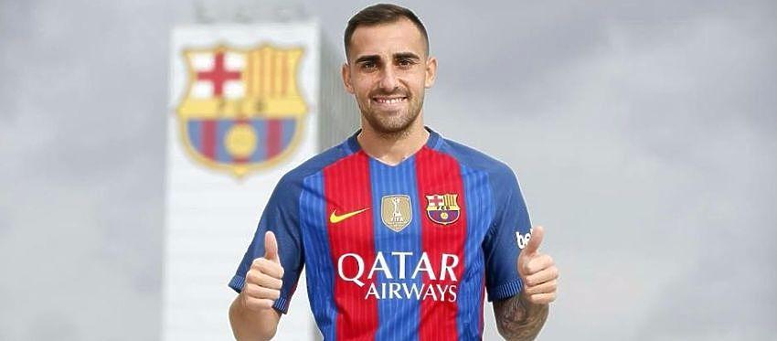 Paco Alcácer posa con la camiseta de su nuevo club. Foto: FC Barcelona.