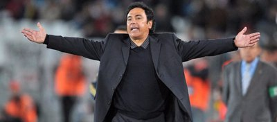 La respuesta de Hugo Sánchez a los que maltratan su placa