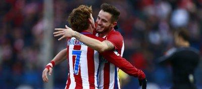 Griezmann y Saúl celebran un gol con el Atlético de Madrid. Foto: Gonzalo Arroyo.