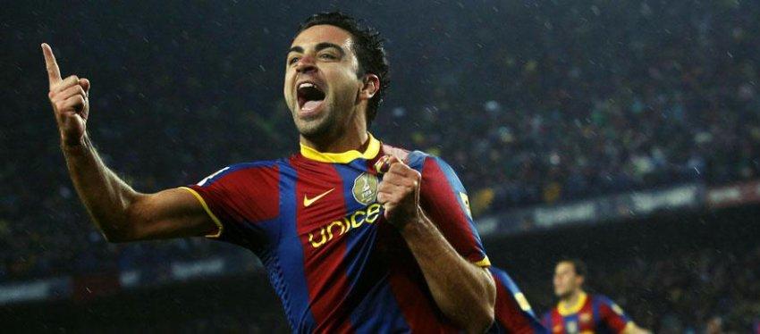Xavi, en uno de sus últimos Clásicos con la camiseta del Barça. Foto: Twitter.