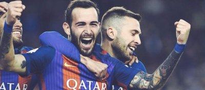 Aleix Vidal sonrió por primera vez con la camiseta del Barcelona. Foto: Twitter.