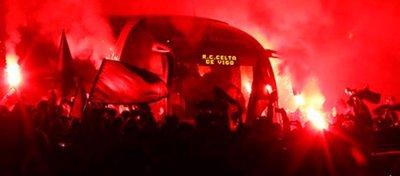 Los alrededores de Balaídos se tiñieron de rojo para recibir a un Celta que ya está en semifinales. Foto: Celta de Vigo.