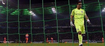 Bravo, una sombra de lo que fue en el Barça