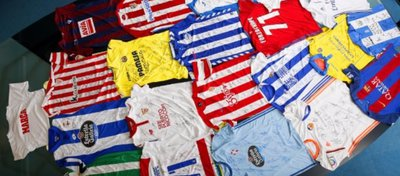 El vestuario del Chapecoense se inunda con las 20 camisetas de LaLiga