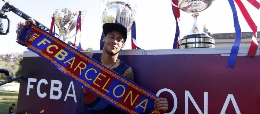 Neymar celebra el triplete con el Barça. Foto: Twitter.