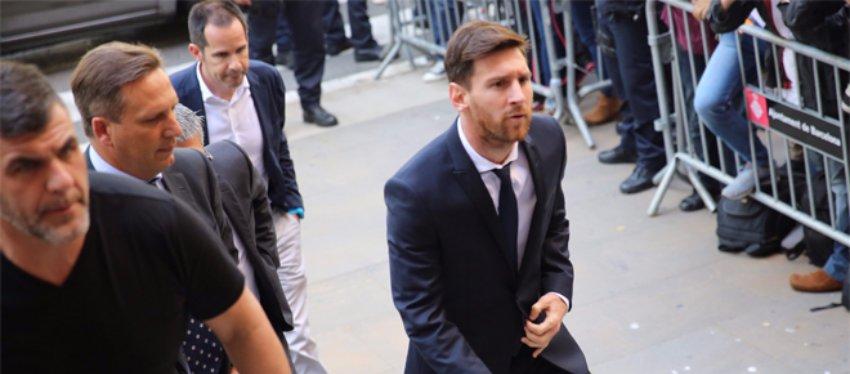 Messi, en la Audiencia de Barcelona. Foto: El Periódico.