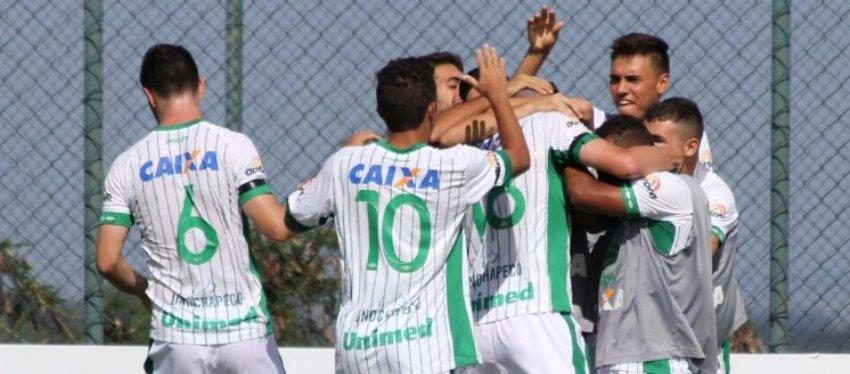 El Chapecoense celebró por todo lo alto su clasificación para la siguiente ronda de la Copinha. Foto: Twitter.