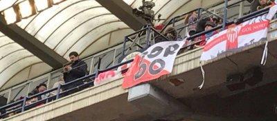 Los Biris mostraron su apoyo a 'El Prenda' en el Estadio El Sadar