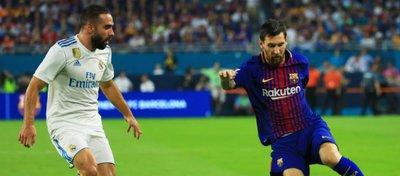 Carvajal y Messi, en el Clásico disputado en pretemporada. Foto: Twitter.