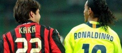 Kaká y Ronaldinho podrían compartir vestuario