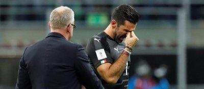 Italia no estará en un Mundial 60 años después y Buffon se retira de la selección entre lágrimas