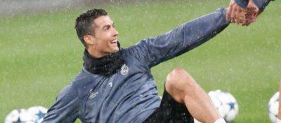 Cristiano Ronaldo cumple el sueño de una niña discapacitada