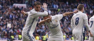 Sergio Ramos celebra un gol junto a Lucas Vázquez. Foto: Twitter.