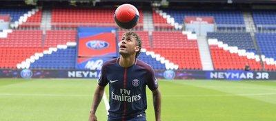 Neymar, en su presentación con el PSG. Foto: Twitter.