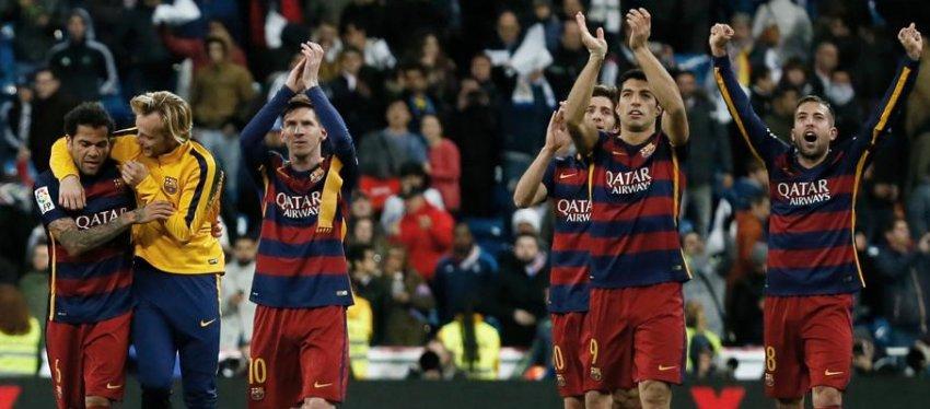 El Barça celebra el 0-4 en el Bernabéu de la temporada 2015-16. Foto: Mundo Deportivo.