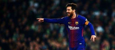 La afición del Betis se rindió a Messi