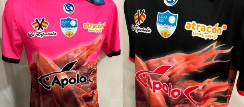 La camiseta de langostinos del Loja CD causa furor en Inglaterra