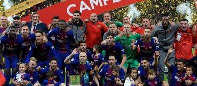 El Barça celebra su triunfo en la pasada Copa del Rey. Foto: Twitter.
