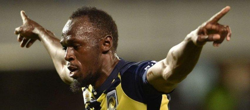 Bolt, de velocista a futbolista. Foto: Twitter.