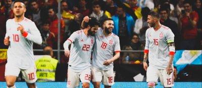 Isco celebra uno de sus goles junto a Jordi Alba y Sergio Ramos. Foto: Twitter.