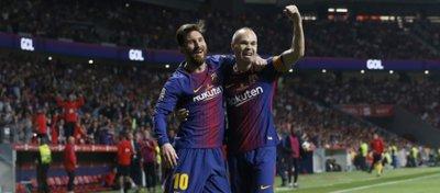 Messi e Iniesta celebran el gol del manchego. Foto: Twitter.