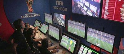 La sala del VAR durante un partido del Mundial. Foto: Telecinco.